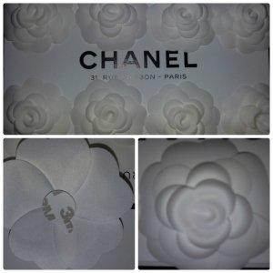 1 x Original weisse CHANEL Kamelie Brosche Ca. 8 cm NEU