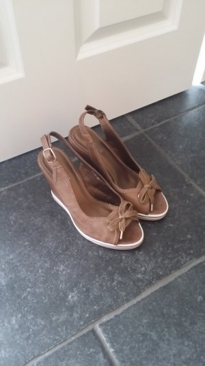 Platform High-Heeled Sandal brown