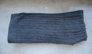 2 Anthrazitfarbene Leggings mit Muster Größe S/M