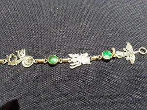 2 Armbänder aus Silber mit türkisen Steinen