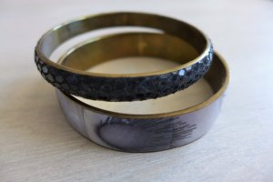 2 Armreifen Armbänder gold schwarz Feder Perlmutt Kunstleder