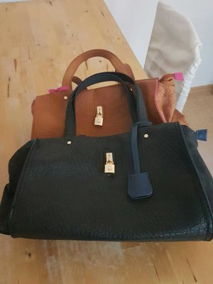2 Benetton Taschen, braun und schwarz