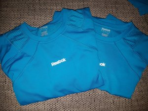 2 Herren-Sport-Shirts (M) von Reebok