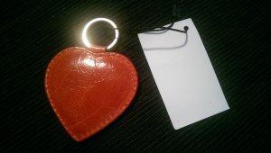 2 Herzanhänger aus Leder