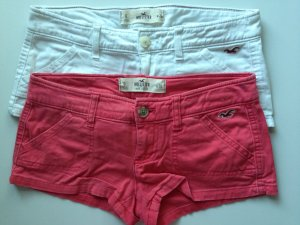 2 Hollister Hotpants in Rot & Weiß