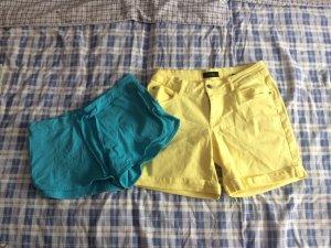 2 kurze Sommer Hosen