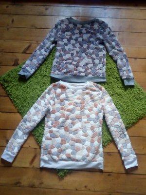 2 kuschlige Pullover für die Größe S bis M