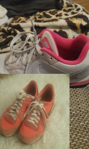 2 paar Nike Schuhe