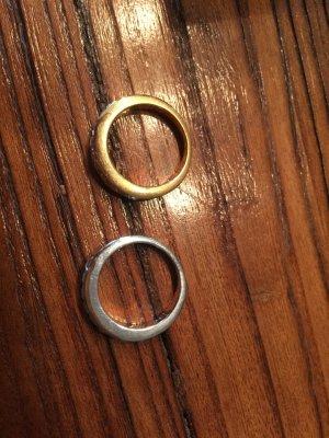 2 Ringe von Swarovski (gold-und silberfarbend)