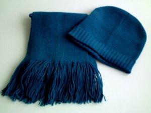2 Strickmützen, 1 Schal, 2 Stirnbänder,  etc. Farben Petrol Rot Blau ...
