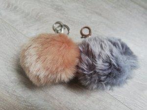 Porte-clés argenté-rose chair pelage