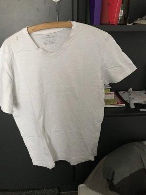2 weiße tshirts