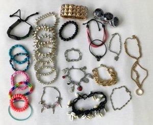 26 verschiedene Armbänder