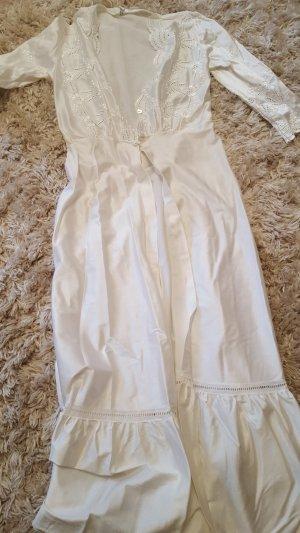 Fond de robe blanc