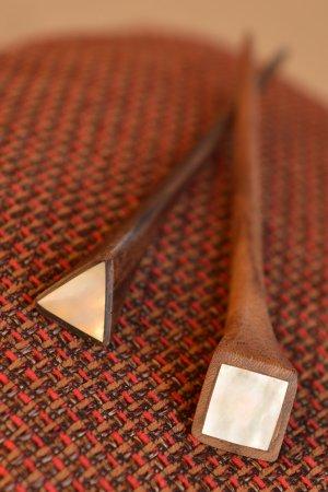 2x Haarnadel aus Holz Perlmutt Haarstift Holzhaarnadel Braun neuwertig
