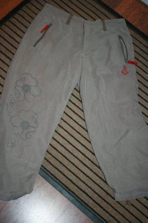 3/4 Hose mit Blumenprint