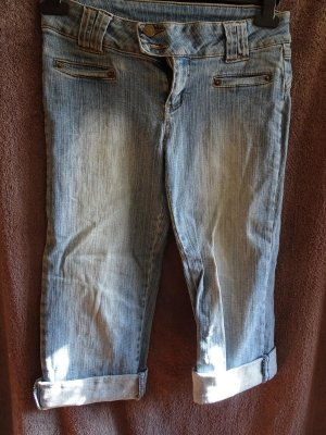 3/4 jeans eng geschnitten