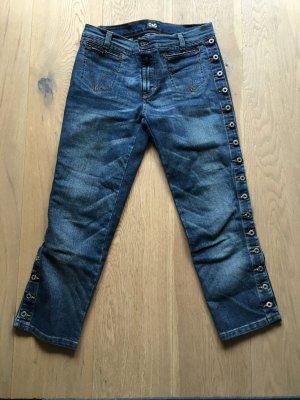 3/4 Jeans mit seitlichen Knöpfen