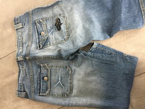 3/4 Jeanshose mit großen Taschen