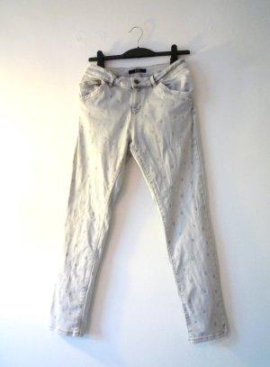 <3-Design, helle Jeans, schmales Bein, von oui