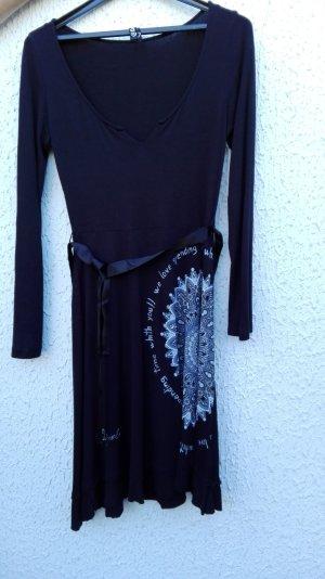 <3 Kleid von Desigual Gr. M <3