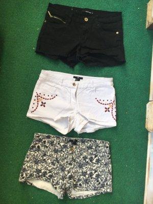 3 neuwertige Shorts.