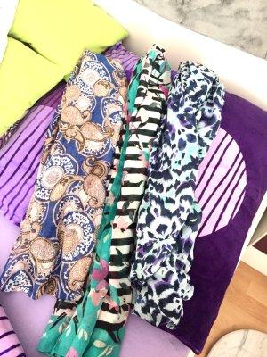 3 schicke neue Schals für 14€.