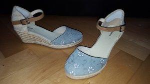 38 NEU Sandalen mit Keilabsatz in Bastoptik