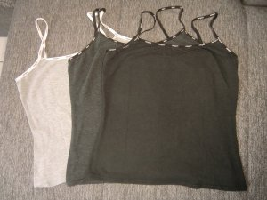 3er Pack Tops in schwarz, anthrazit und grau von Mangoon