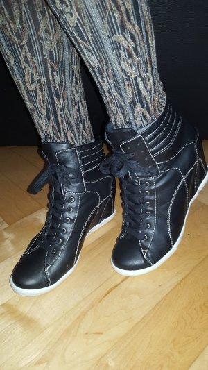 Andrea Conti High Top Sneaker black