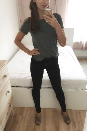 49.99€ Shaping Jeans H&M schwarz mittlere Taille 26/32