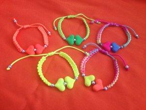 5 Armbänder, Modeschmuck in 5 Farben