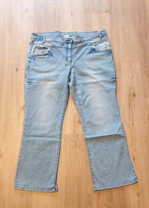 5-Pocket Damen Jeans hellblau mit Waschung an den Beinen Größe 52/54