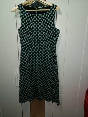 50ths Kleid mit Punkten