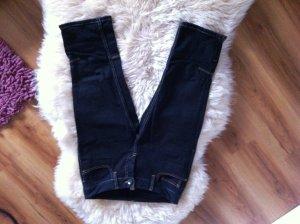 Dreiviertel Jeans mit Reißverschlüssen am Bein von Vero Moda, Größe 36