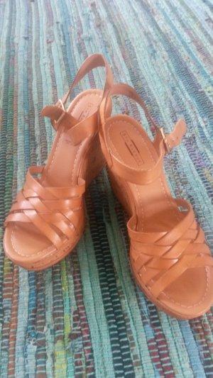 5th Avenue Platform High-Heeled Sandal beige leather
