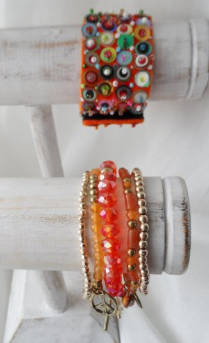 6 edle Armbänder ein Samtarmband mit Pailletten teilweise neu