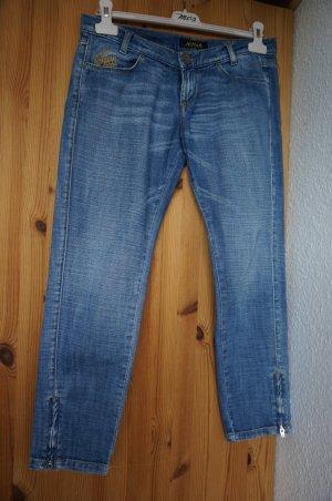7/8 Jeans mit Reißverschluss unten. Neu.