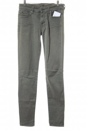 7 For All Mankind Pantalón de tubo verde oliva look Street-Style