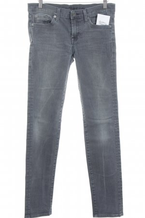 7 For All Mankind Vaquero pitillo gris antracita look casual