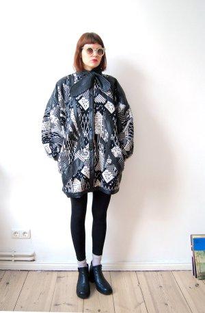 80er jahre designer winter jacke schwarzweiß graphisches muster