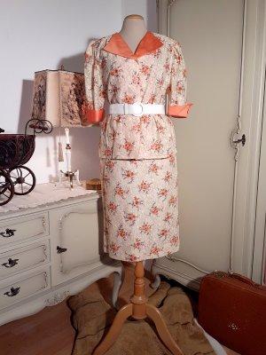 80er Jahre Kostüm im Stil der 40er