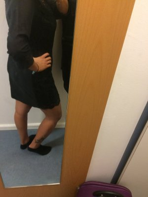 A förmiges Kleid aus Spitze