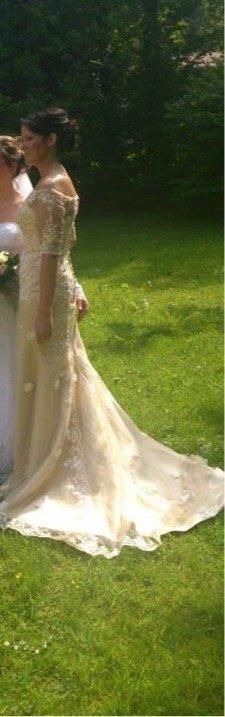 JJs House Vestido de novia beige claro