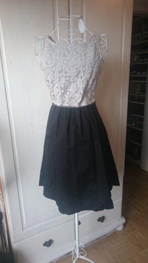 A-Linien Kleid mit Häkelspitze klassisch