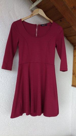 A-Linien Kleid mit halblangen Ärmeln