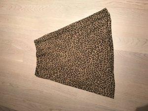 A-Linien-Rock mit Leo-Muster