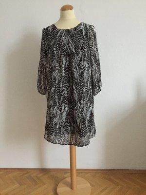 A Shape Print Kleid