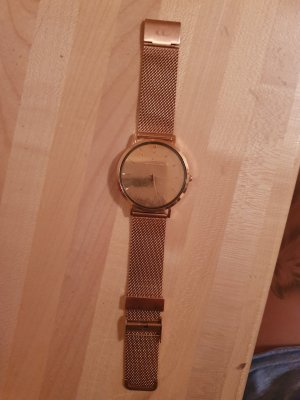 Watch With Metal Strap pink