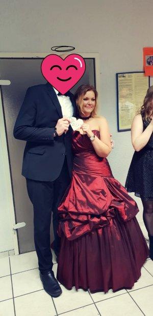 Vestido de baile rojo oscuro-carmín